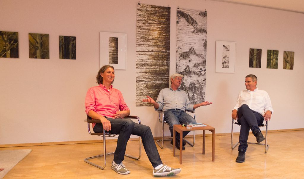 Artist talk with art historian Prof. Dr. Thomas Raff in the middle